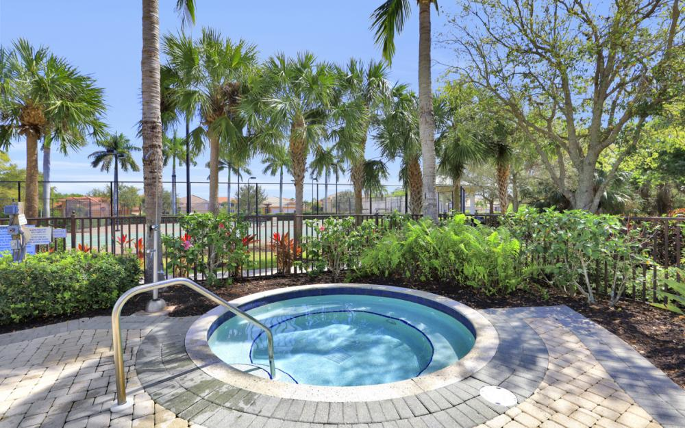 12631 Blue Banyon Ct, North Fort Myers - Home For Sale 731332195