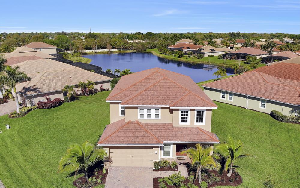 12631 Blue Banyon Ct, North Fort Myers - Home For Sale 258979406