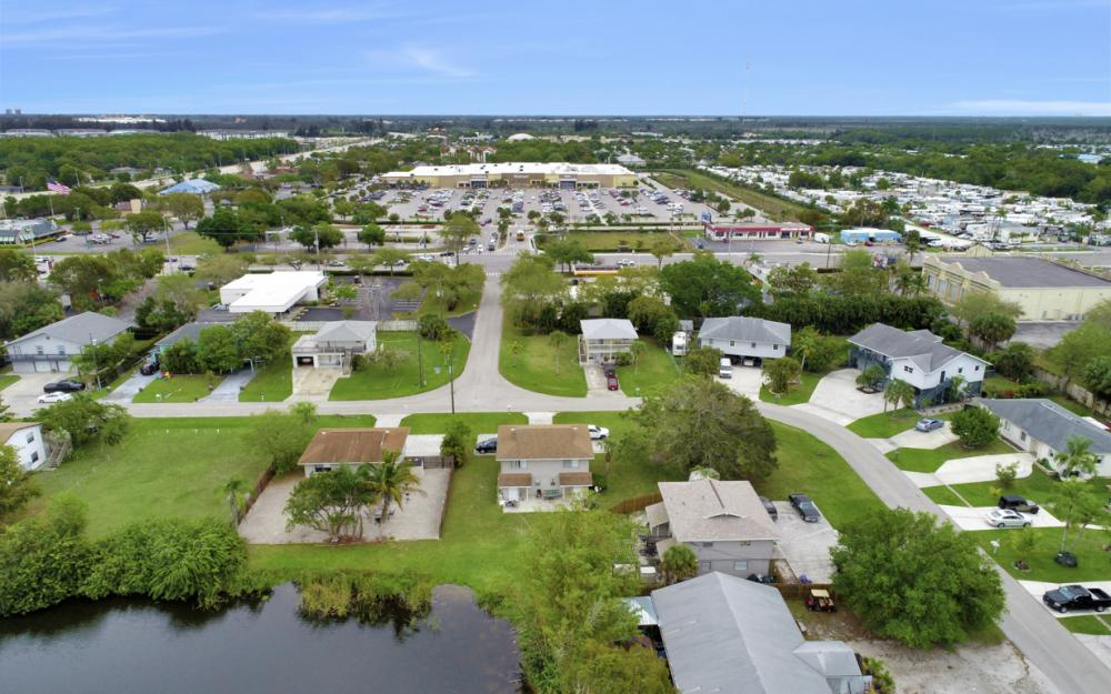 17323 Whitewater Ct, Fort Myers Beach - Home For Sale 55314017