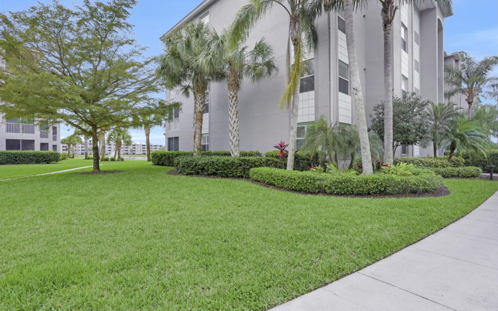 16645 Lake Circle Dr #725, Fort Myers - Condo For Sale 1081377282