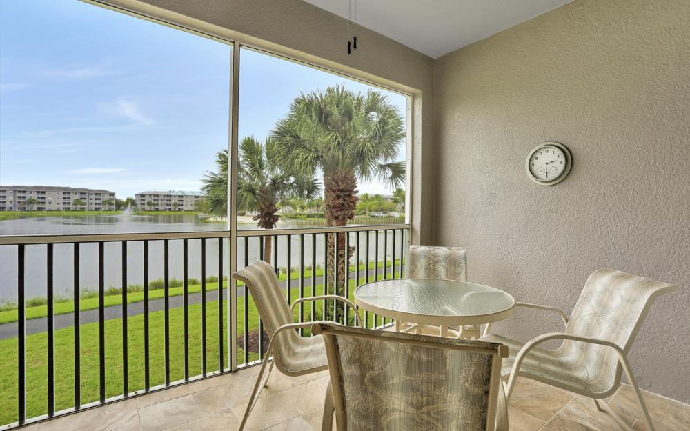 16645 Lake Circle Dr #725, Fort Myers - Condo For Sale 114225778