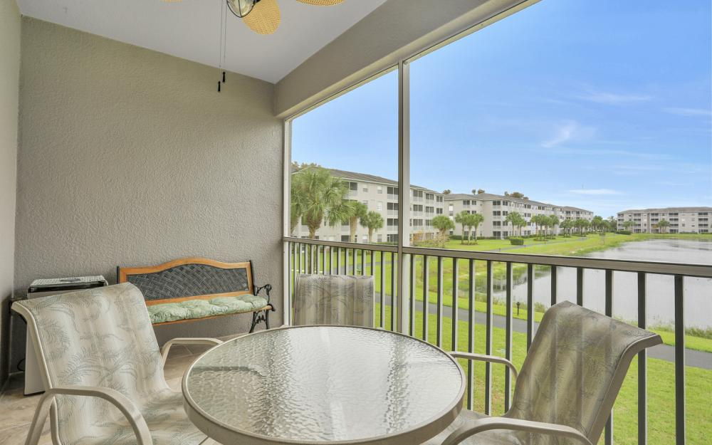 16645 Lake Circle Dr #725, Fort Myers - Condo For Sale 174213231