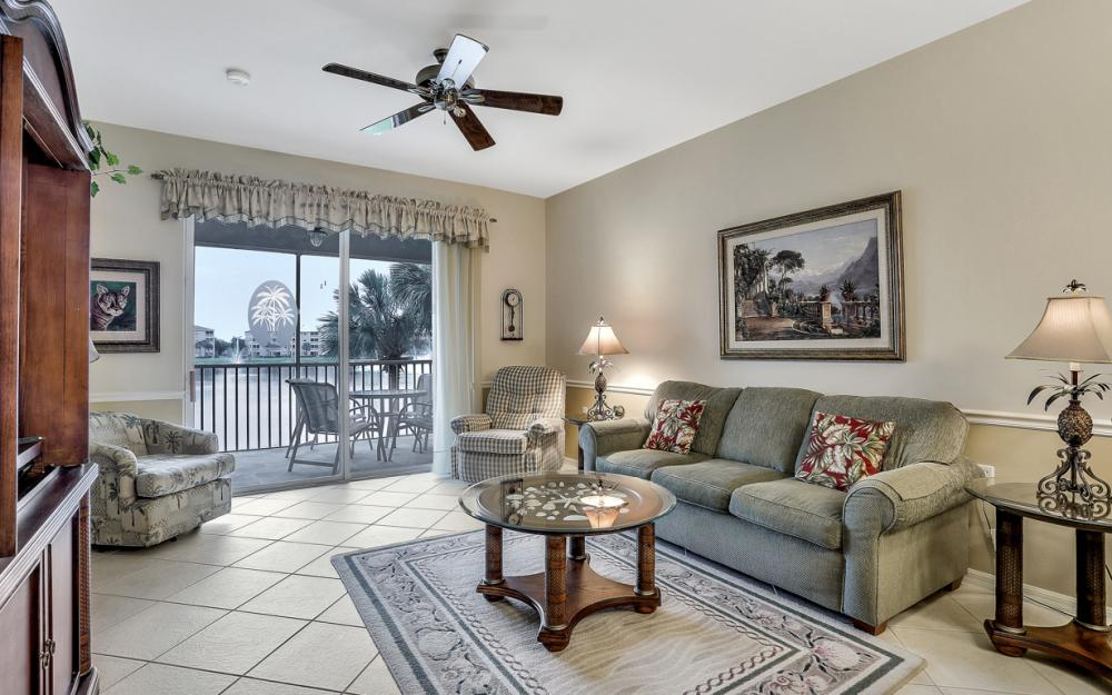 16645 Lake Circle Dr #725, Fort Myers - Condo For Sale 881503583