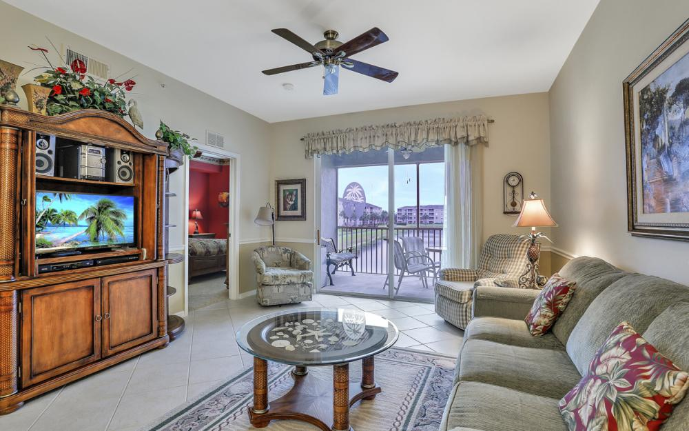 16645 Lake Circle Dr #725, Fort Myers - Condo For Sale 129952527