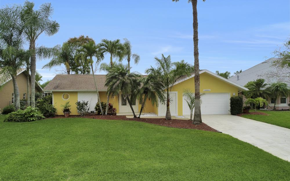 5008 Skyline Blvd Cape Coral - Home For Sale 52704196