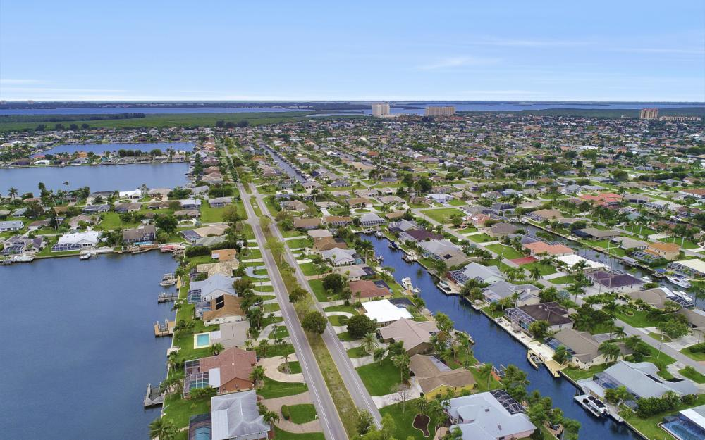 5008 Skyline Blvd Cape Coral - Home For Sale 738712704