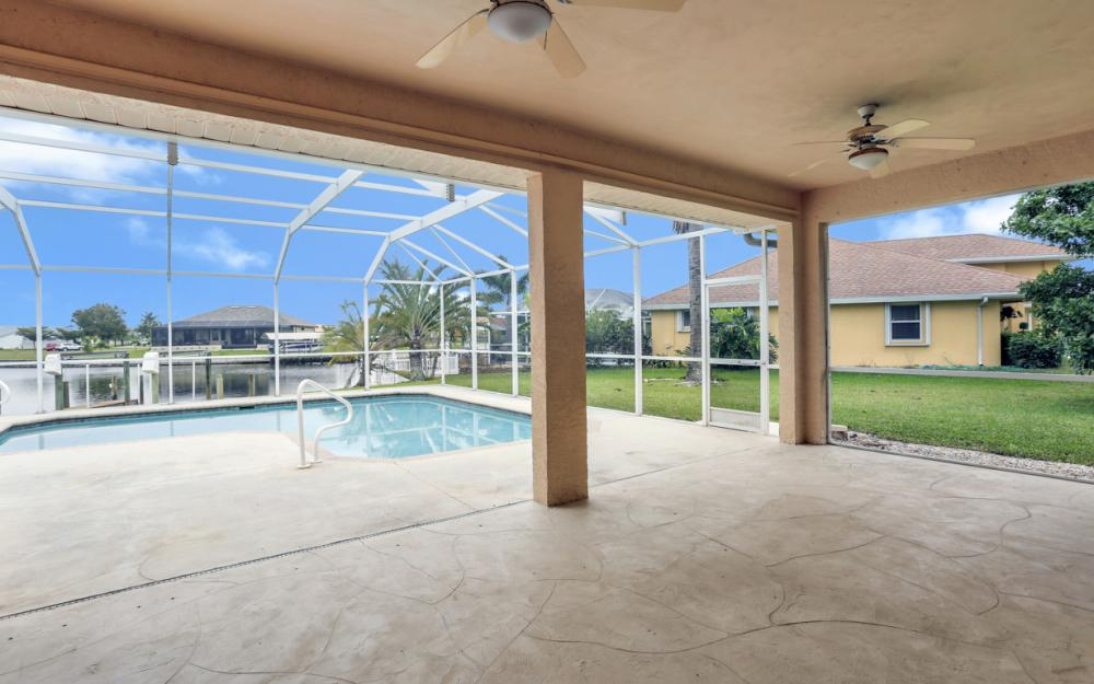 527 NW 35th Pl, Cape Coral - Home For Sale 1321090074
