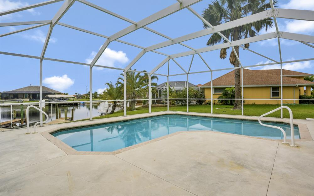 527 NW 35th Pl, Cape Coral - Home For Sale 100698276