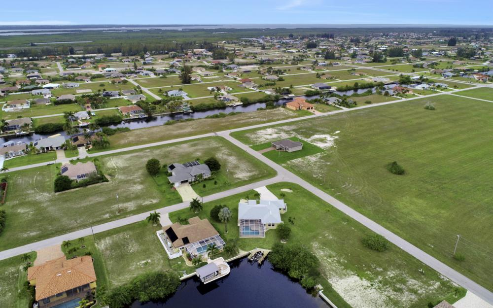 527 NW 35th Pl, Cape Coral - Home For Sale 1540311712