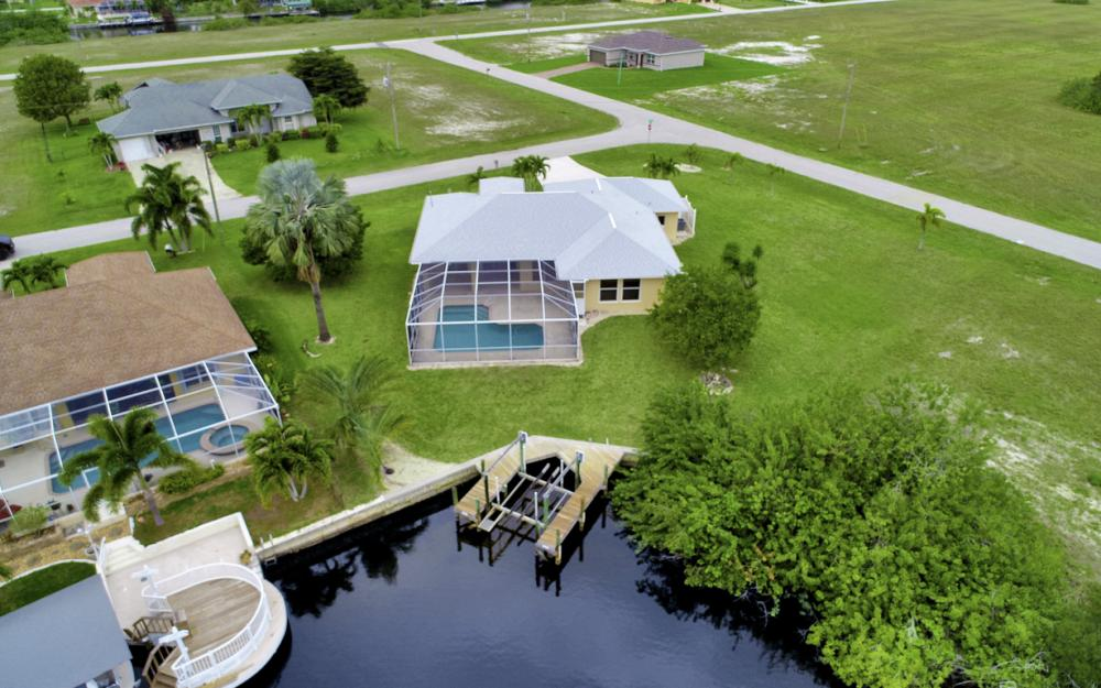 527 NW 35th Pl, Cape Coral - Home For Sale 965389573