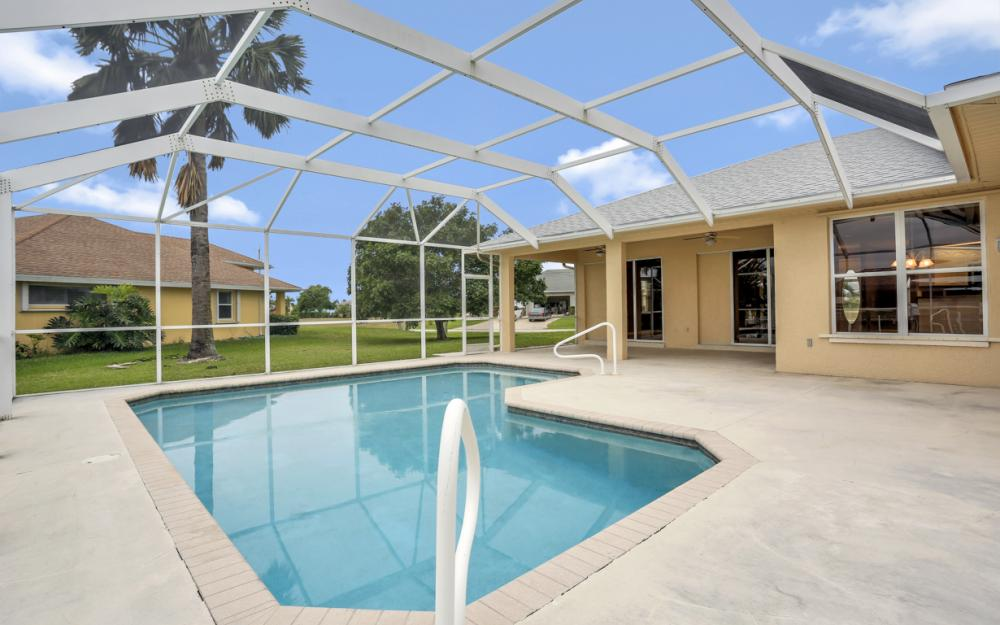 527 NW 35th Pl, Cape Coral - Home For Sale 2141736608