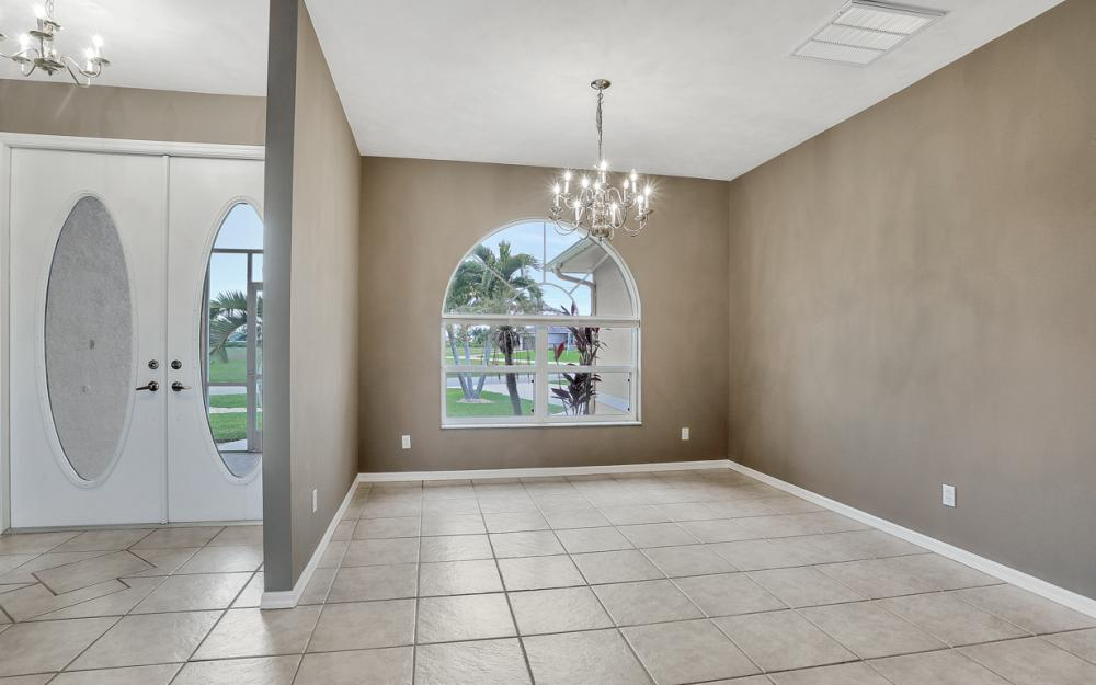 527 NW 35th Pl, Cape Coral - Home For Sale 1516764049