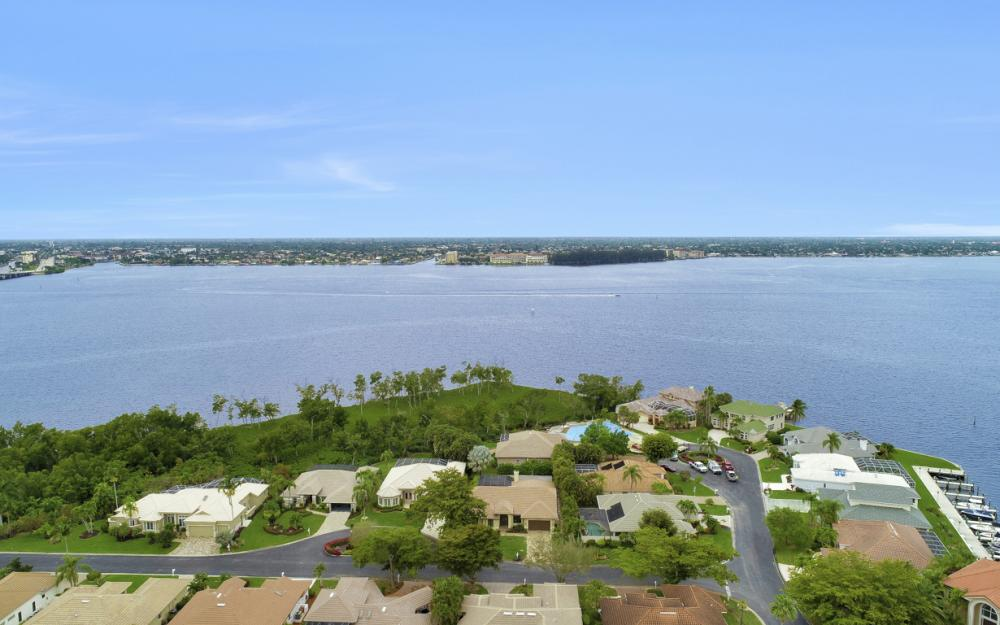 12510 Marina Club Dr, Fort Myers - Home For Sale 1280618061