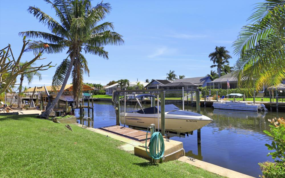 1510 SW 52nd Ln, Cape Coral - Home For Sale 551038455