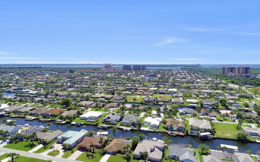 1510 SW 52nd Ln, Cape Coral - Home For Sale 940001793