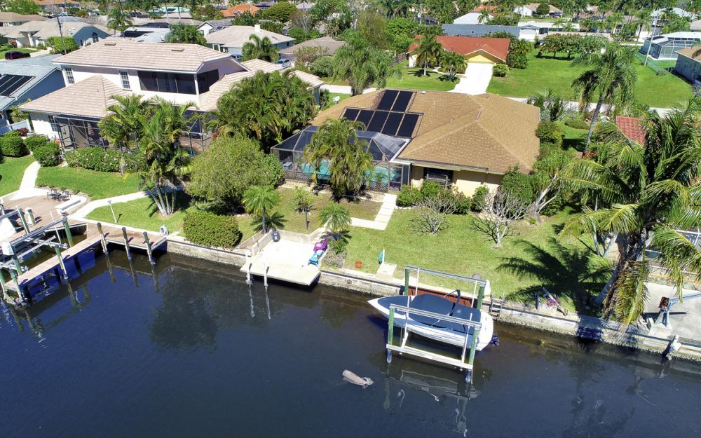 1510 SW 52nd Ln, Cape Coral - Home For Sale 758837394