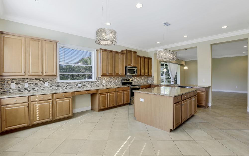 17010 Banyan Vine Ct, Fort Myers - Home For Sale 983561624
