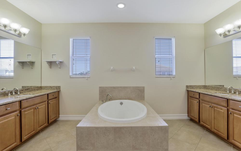 17010 Banyan Vine Ct, Fort Myers - Home For Sale 71073626
