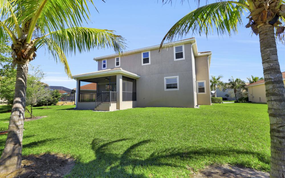 17010 Banyan Vine Ct, Fort Myers - Home For Sale 1025246337