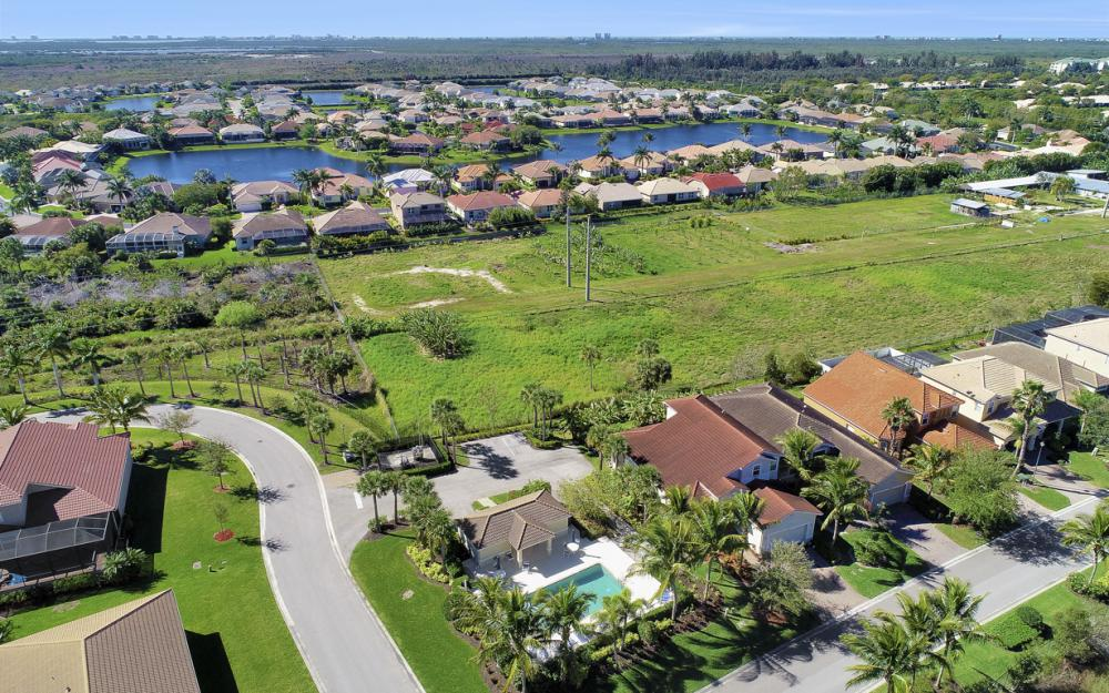 17010 Banyan Vine Ct, Fort Myers - Home For Sale 652980920