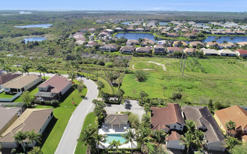 17010 Banyan Vine Ct, Fort Myers - Home For Sale 237348569