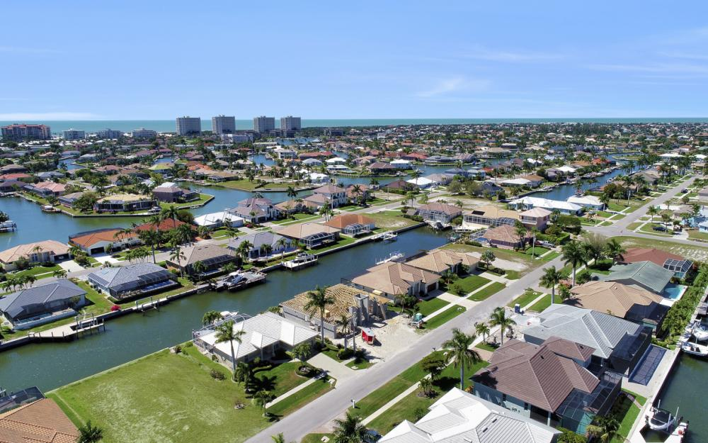 330 Marquesas Ct, Marco Island - Home For Sale 1144392111