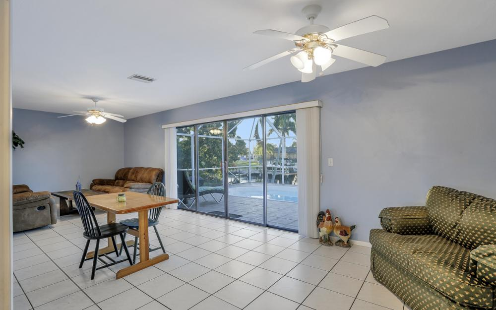 250 SW 39th Ter, Cape Coral - Home For Sale 814529548
