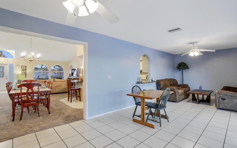 250 SW 39th Ter, Cape Coral - Home For Sale 1032356360