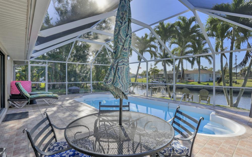 250 SW 39th Ter, Cape Coral - Home For Sale 1749094791