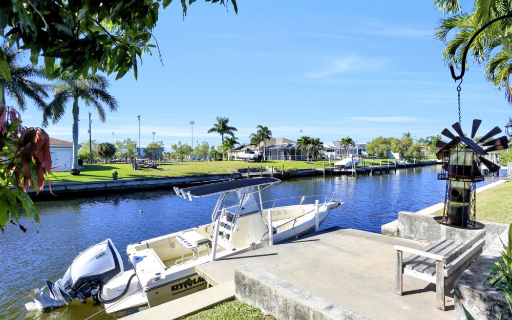 250 SW 39th Ter, Cape Coral - Home For Sale 1071951127