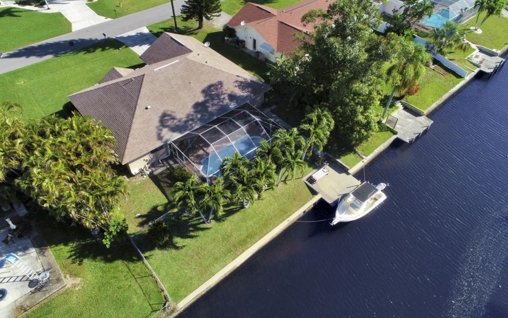 250 SW 39th Ter, Cape Coral - Home For Sale 749464917