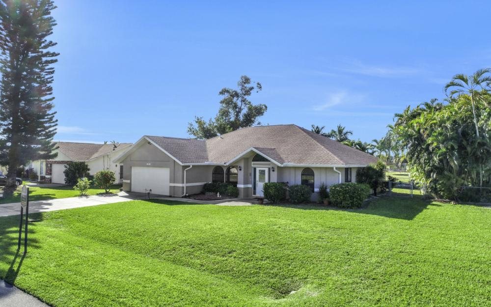 250 SW 39th Ter, Cape Coral - Home For Sale 205996058