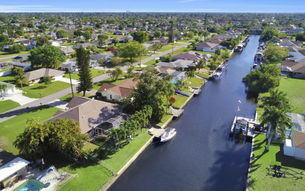 250 SW 39th Ter, Cape Coral - Home For Sale 332317049