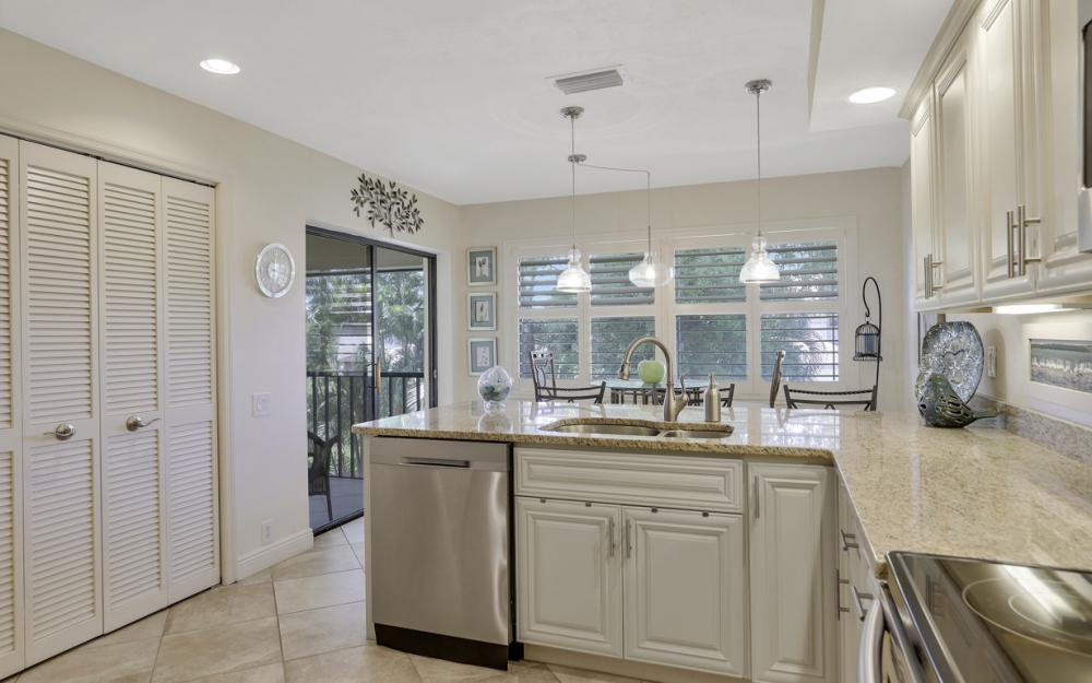 16330 Fairway Woods Dr #1705, Fort Myers - Condo For Sale 435799522