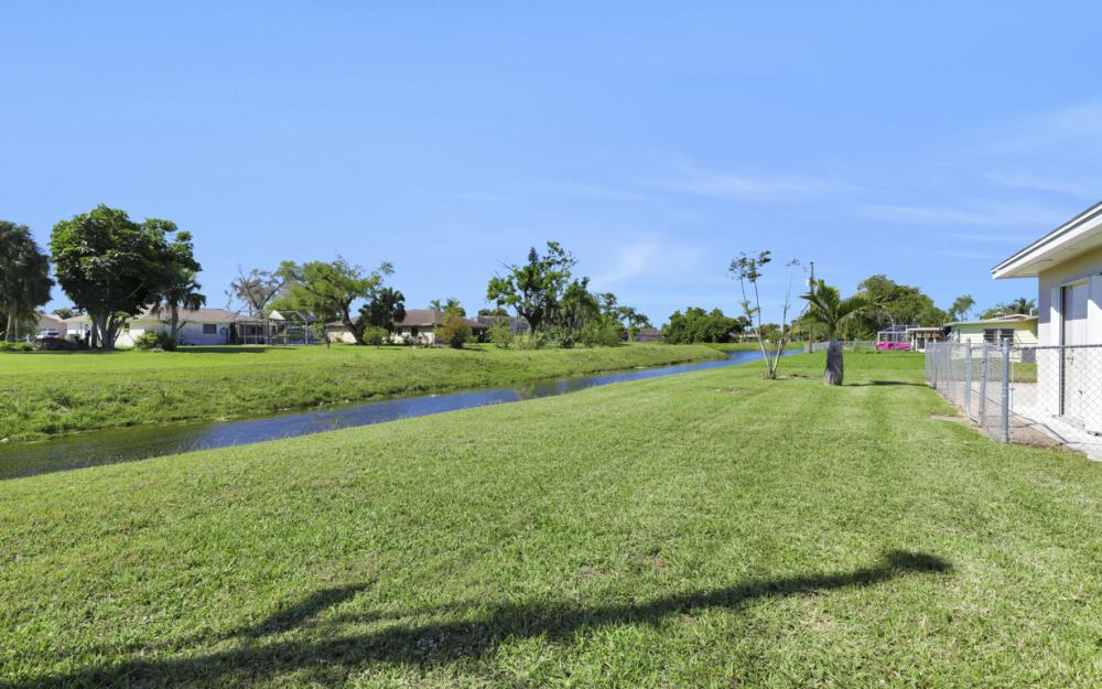 900 Monet St, Lehigh Acres - Home For Sale 983668227
