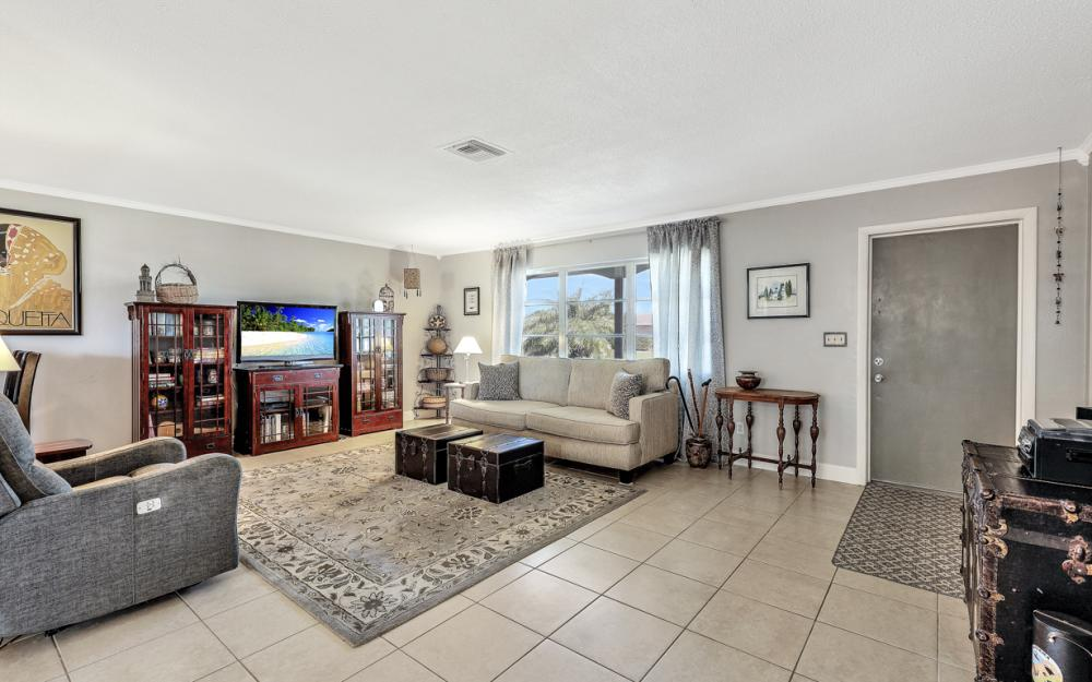 900 Monet St, Lehigh Acres - Home For Sale 106747682