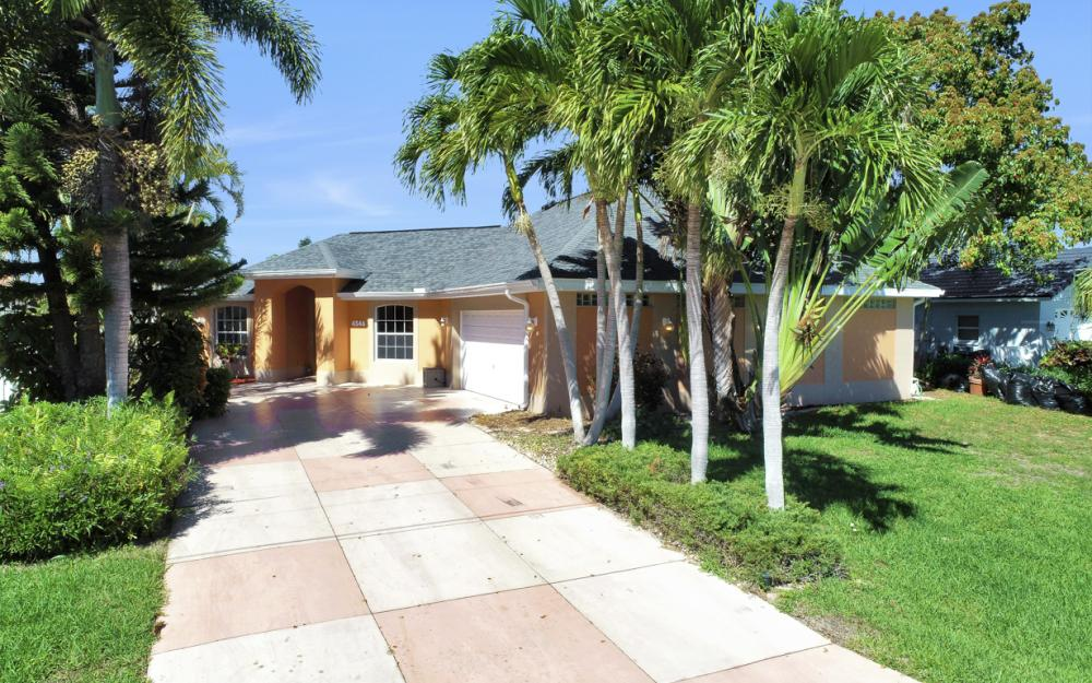 4546 SW 5th Ave, Cape Coral - Home For Sale 1633990364