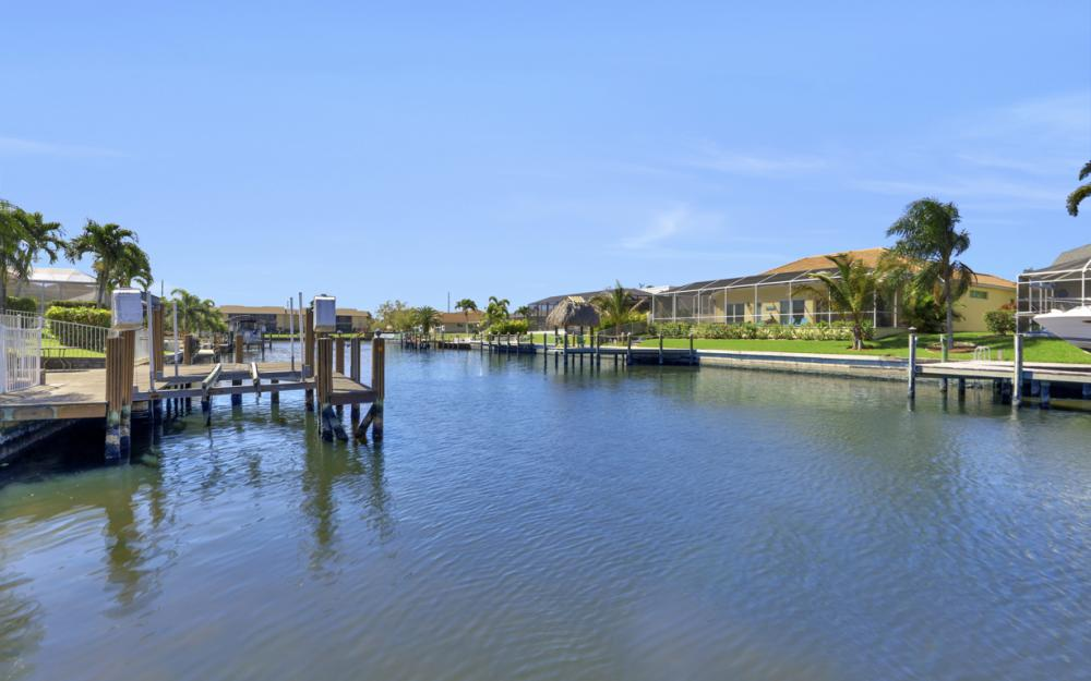 4546 SW 5th Ave, Cape Coral - Home For Sale 1322066555