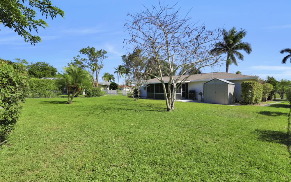 925 SE 44th St Cape Coral - Home For Sale 616388712