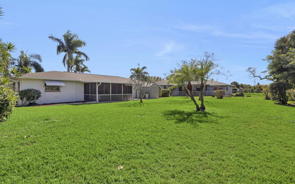 925 SE 44th St Cape Coral - Home For Sale 924705754