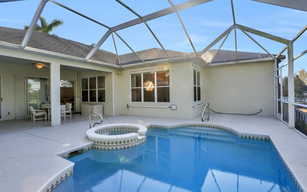 1807 SW 47th St, Cape Coral - Home For Sale 600314069