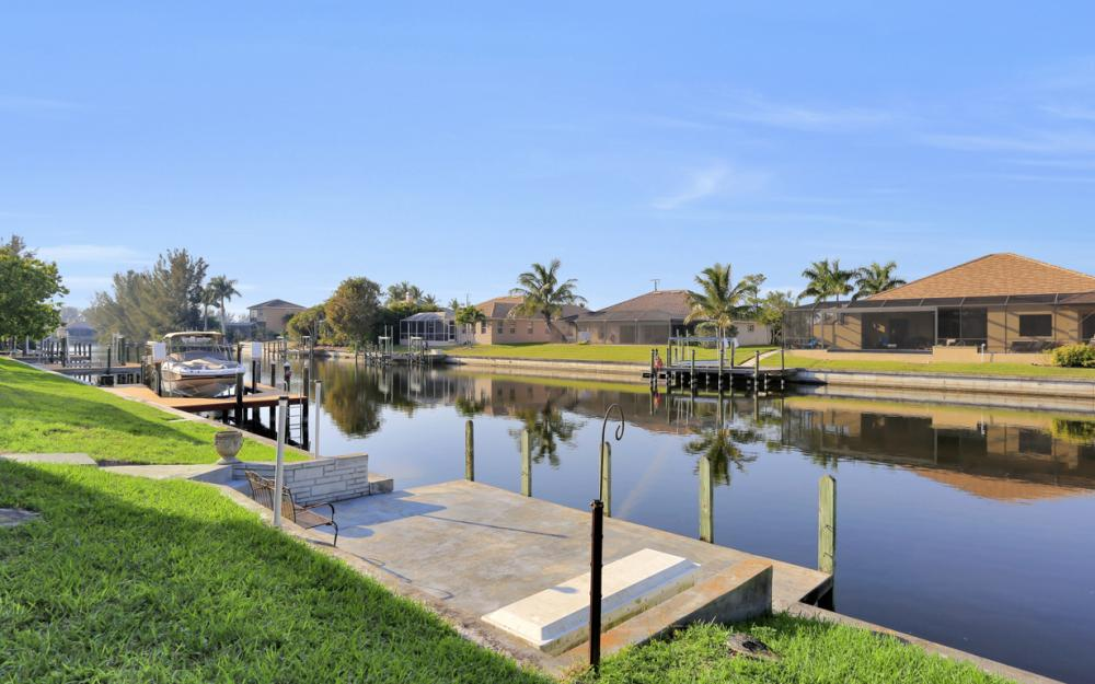1807 SW 47th St, Cape Coral - Home For Sale 762475420