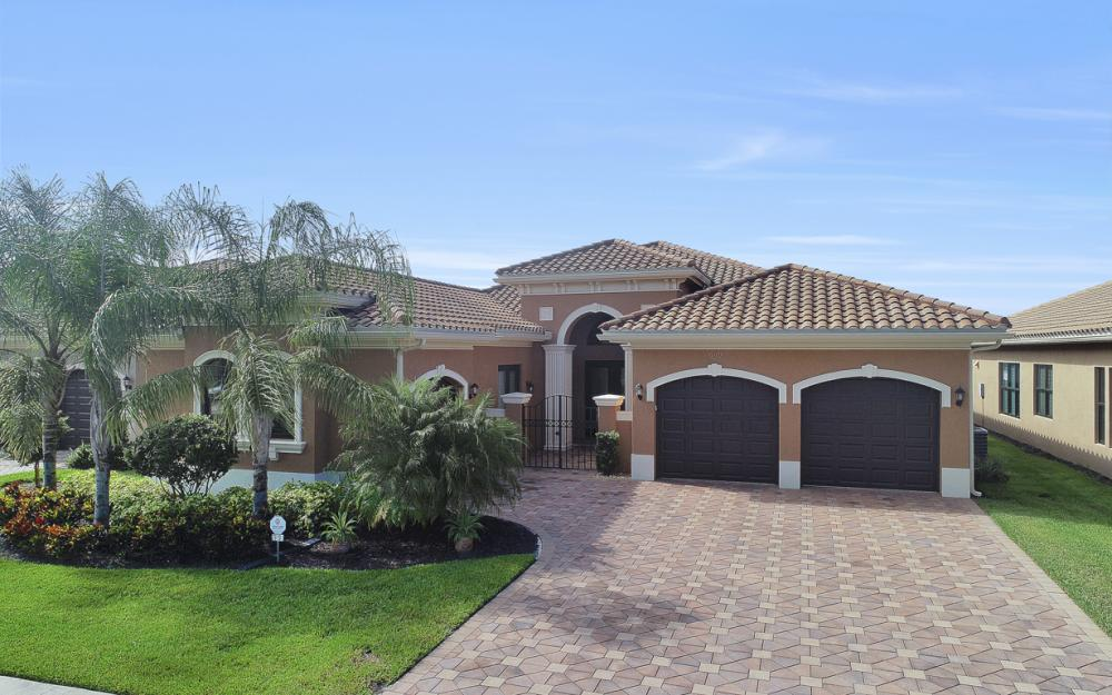 2919 Cinnamon Bay Cir, Naples - Home For Sale 961753315
