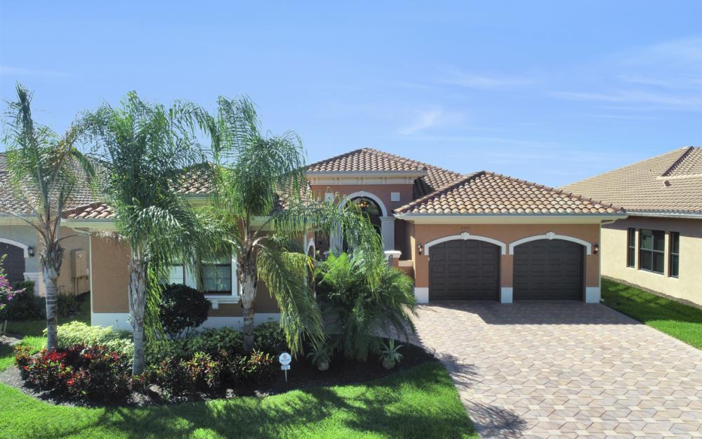 2919 Cinnamon Bay Cir, Naples - Home For Sale 1950425739