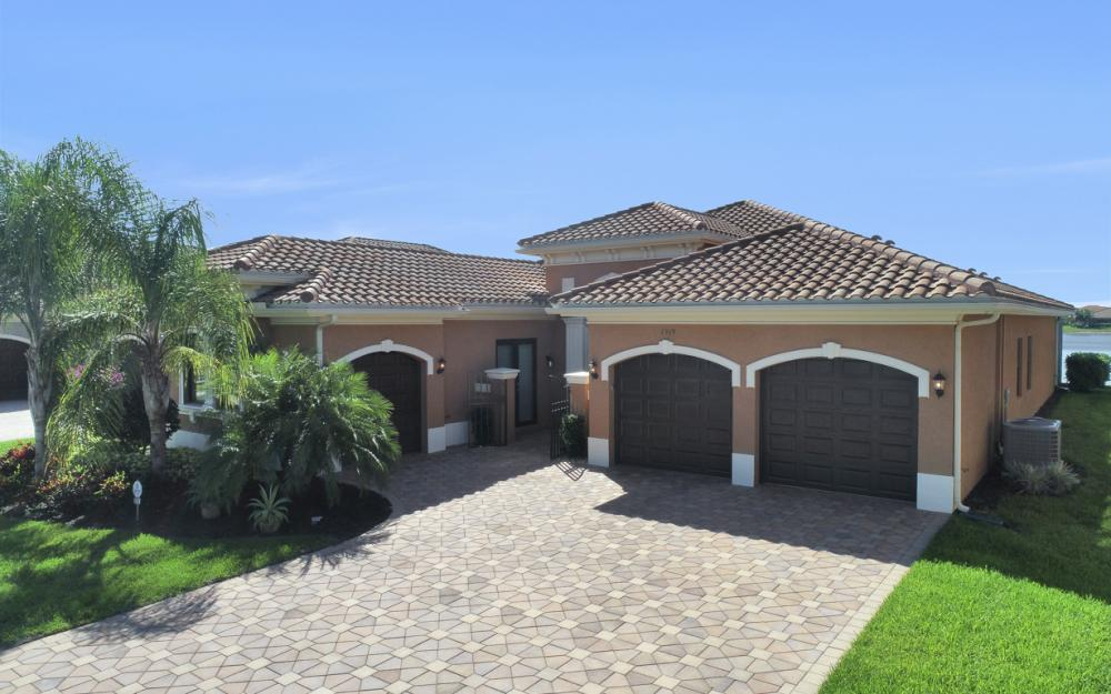 2919 Cinnamon Bay Cir, Naples - Home For Sale 287540647