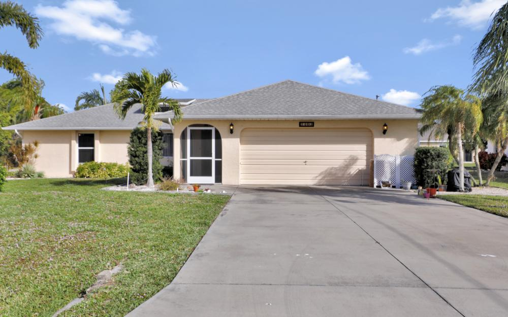 1403 SE 19th St, Cape Coral - Home For Sale 1933581798