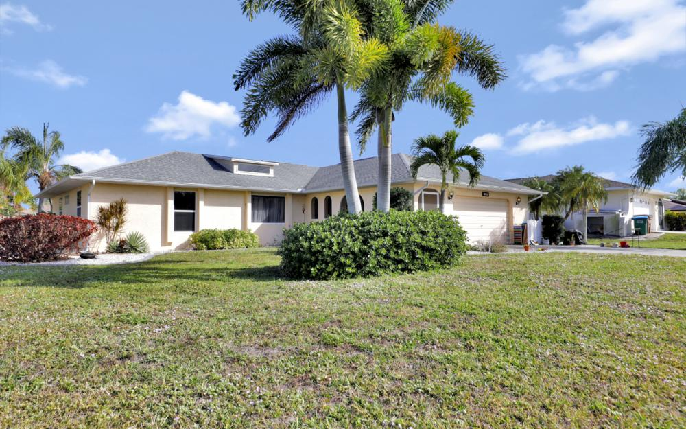 1403 SE 19th St, Cape Coral - Home For Sale 1715544397