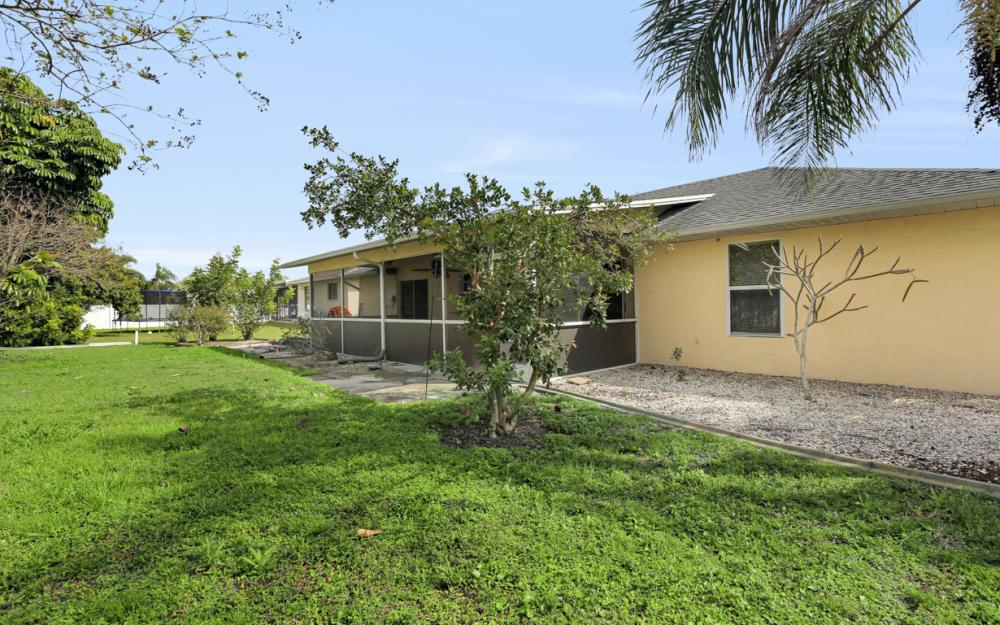 1403 SE 19th St, Cape Coral - Home For Sale 741740315