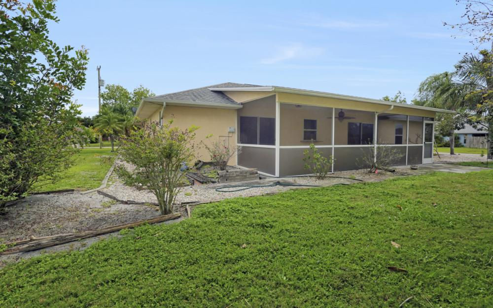 1403 SE 19th St, Cape Coral - Home For Sale 1700583019