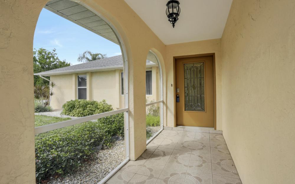 1403 SE 19th St, Cape Coral - Home For Sale 1023218577
